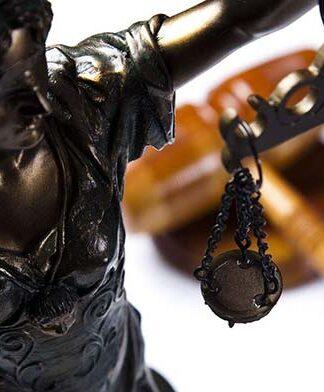 Kancelaria notarialna – z czym można się do niej zgłosić?