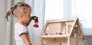 czy warto kupić córce domek dla lalek?